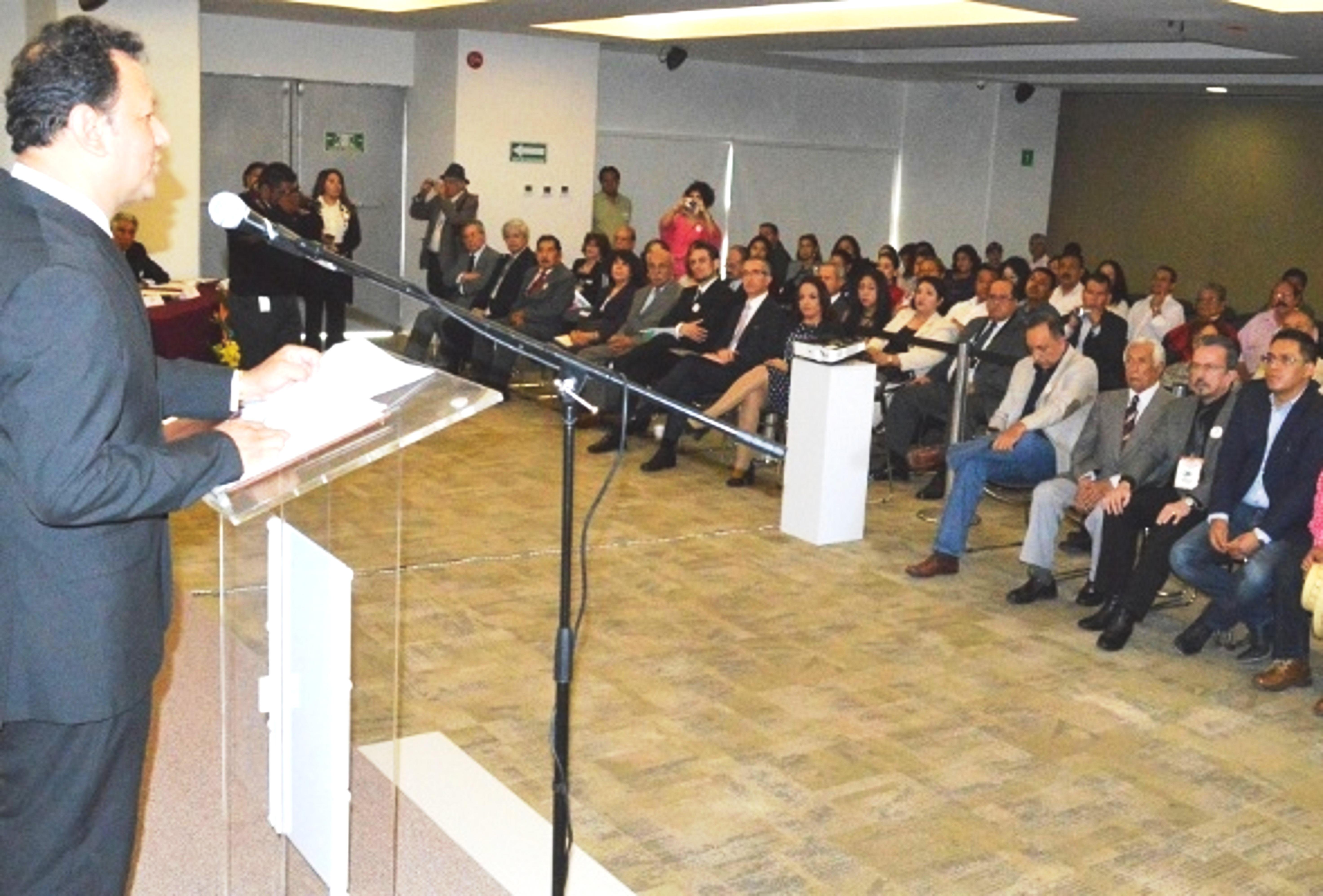 Mensaje del Presidente de AMIPAC Carlos Hurtado Cabrera