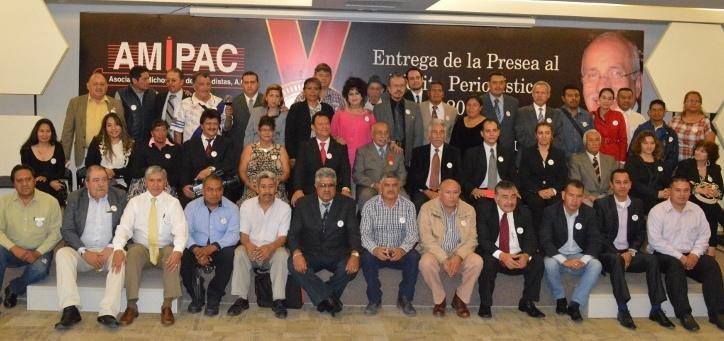 Foto del Recuerdo 28 Aniversario de AMIPAC